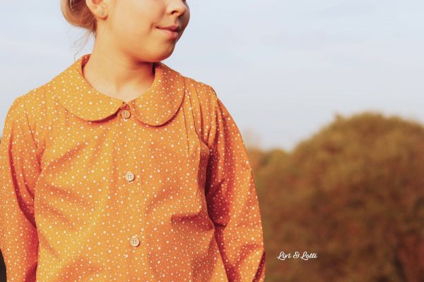 Nina Blouse (Ebook von Coffee and Thread, auf Deutsch nur bei Näh-Connection): supersüßes Designbeispiel von Livi und Lotti