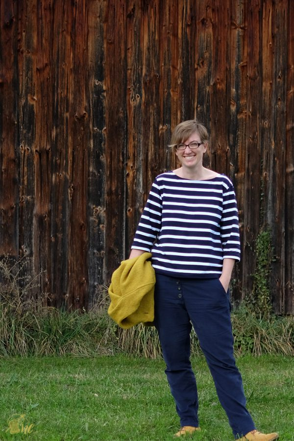 Näh-Connection Shop: Timpe Tee PDF pattern by schneidernmeistern in english translation. A fast and easy sew for you perfect relaxed Breton shirt.
